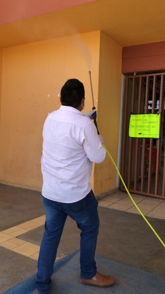 This image has an empty alt attribute; its file name is SANITIZACIÓN-MERCADOS-3-576x1024.jpeg